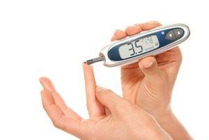 Гипогликемия без диабета, по каким причинам появляется? Симптомы гипогликемических приступов